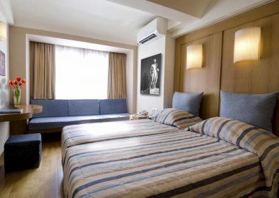 SK Wood - Hotel Room 1