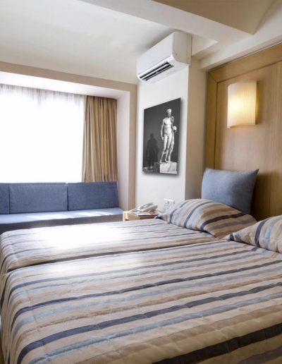 SK Wood - Hotel Room 2