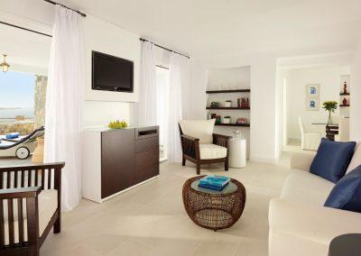 SK Wood -Hotel Room 8