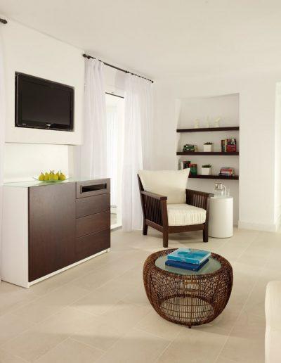 SK Wood -Hotel Room 12