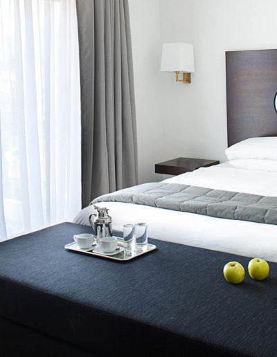 SKWood-hotel room 03