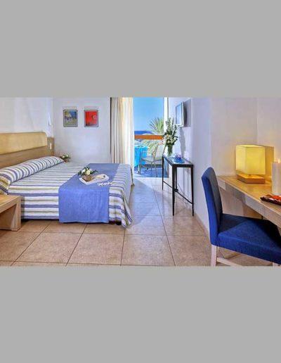 SK Wood - Hotel Room 7